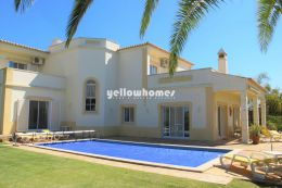 Classic and elegant 4-bed front-line villa on a...